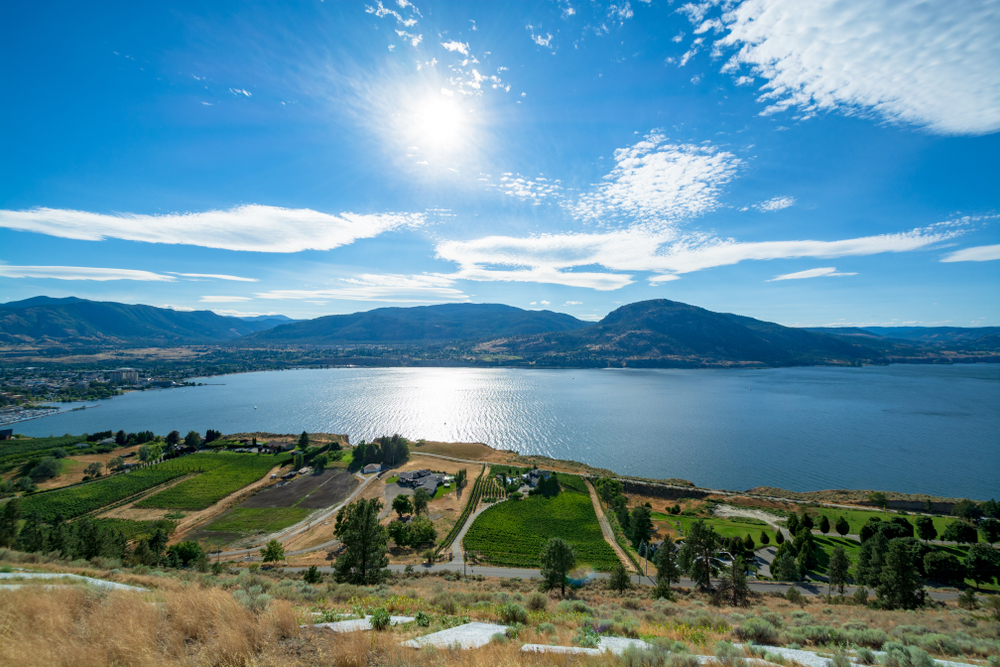 houses on and near lake okanagan in bc